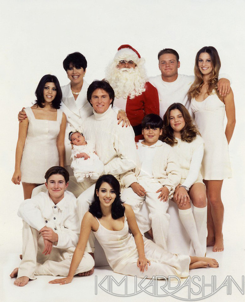 500x_karashian_jenner_xmas_eight.jpg