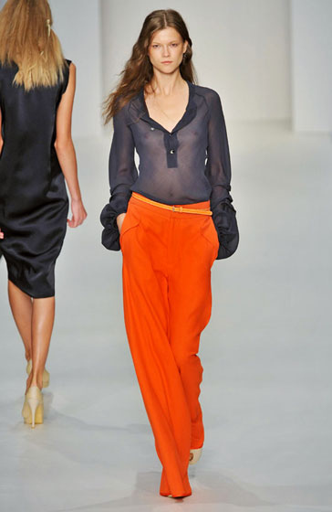 Kasia Struss, we see you. In this Ossie Clark top, at least.