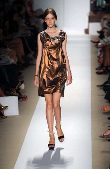 We loved the deep copper hue and the crinkly look of this dress.