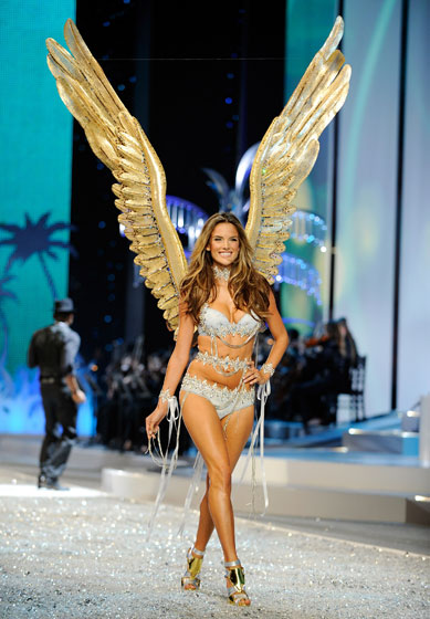 Alessandra Ambrosio returneth! Bras give you wings.