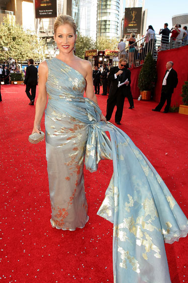 Christina Applegate in Reem Acra. When we saw the back of her hair later, we swooned.