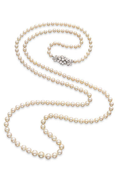A pearl-and-diamond sautoir by Boucheron with 155 graduated pearls, estimated at $250,000-450,000. (Sale benefits the Rosemoor Foundation.)