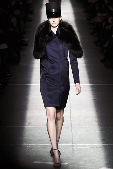 "<a href=""http://nymag.com/fashion/fashionshows/2009/fall/main/europe/womenrunway/givenchy/"">Givenchy's</a> fur."