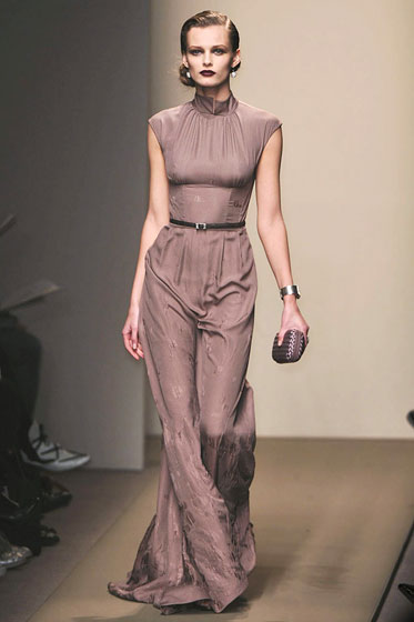 "<a href=""http://nymag.com/fashion/fashionshows/2009/fall/main/europe/womenrunway/bottegaveneta/"">Bottega Veneta's</a> skinny belt sets off a gown."