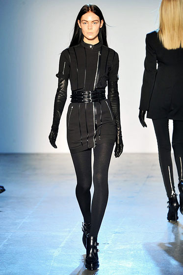 "A triple-buckle belt is the new statement piece at <a href=""http://nymag.com/fashion/fashionshows/2009/fall/main/newyork/womenrunway/phi/"">Phi</a>."