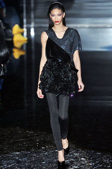 "<a href=""http://nymag.com/fashion/fashionshows/2009/fall/main/europe/womenrunway/gucci/"">Gucci</a>'s entire disco-inspired show didn't skip the leggings. These were as shimmery as they come."