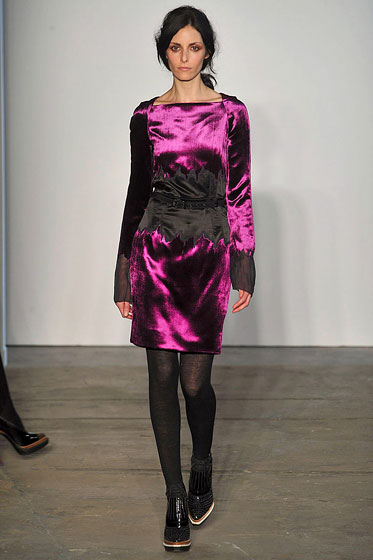 "<a href=""http://nymag.com/fashion/fashionshows/2009/fall/main/newyork/womenrunway/proenzaschouler/"">Proenza's</a> burnt-out velvet."