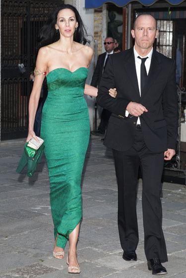 Does anyone else think L'Wren Scott's gown looks like wallpaper?