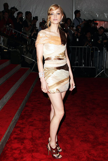 Jessica Stam in Rodarte and shoes by Nicholas Kirkwood.