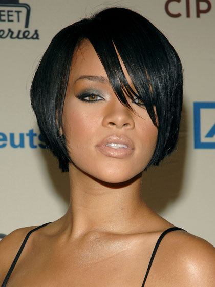 RiRi's look was near perfect: Chic hair, nude lips, and gray eye shadow.