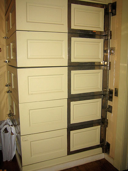 Here's the linen storage area.