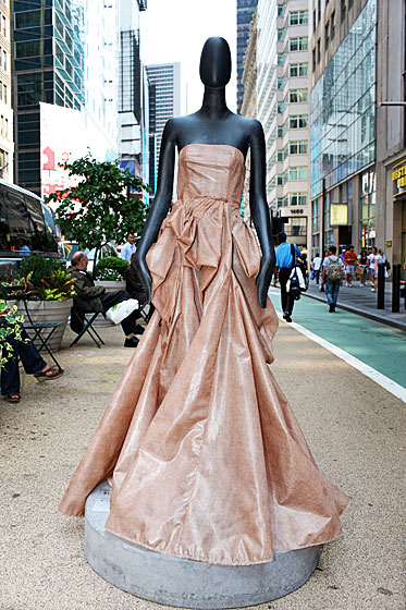 Isaac Mizrahi incorporated zippers into his mannequin's gown.