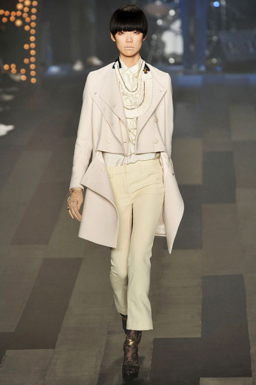 "<strong>Opened:</strong> <a href=""http://nymag.com/fashion/fashionshows/designers/bios/philliplim/"">3.1 phillip lim</a><BR><BR>