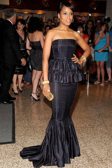 If layer cake were a dress, it would look like Kerry Washington's J. Mendel number.