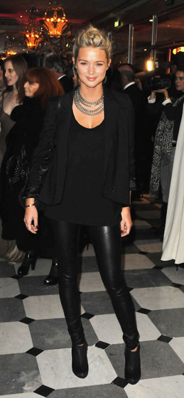 French <em>actrice</em> Virgine Efira shows just how to wear leather leggings, and makes us want to be French. Bravo.