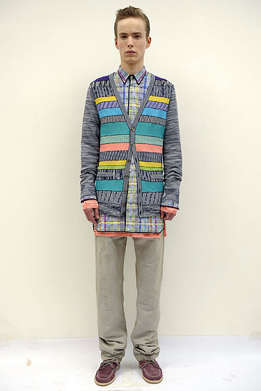 "Layering mismatched prints in moderation — as seen in this <a href=""http://nymag.com/fashion/fashionshows/2011/spring/main/europe/menrunway/missoni/#slide2&ss1"">Missoni</a> combo — makes a major geek-chic impact."
