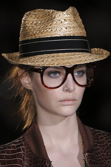 Oversized glasses and straw fedoras at Dsquared2.