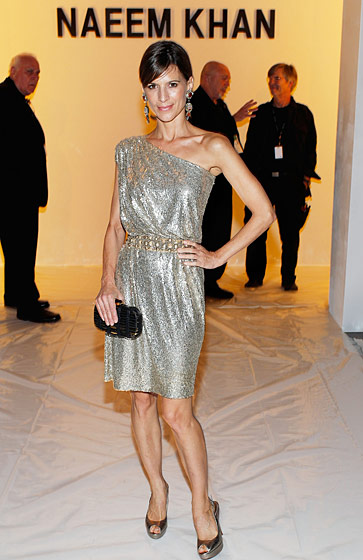 We overheard somebody at Naeem Khan saying that actress Perrey Reeves, unable to get either a cab or a car due to that pesky tornado, cheerfully called to say she'd be taking the subway to Lincoln Center so that she could still catch the show. Now that is brand loyalty.