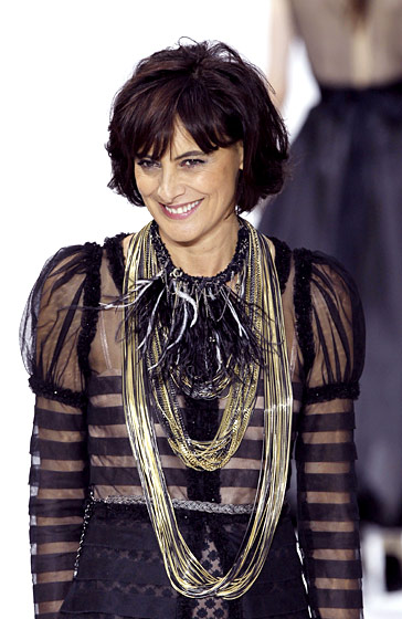 Inès de la Fressange re-debuted after a long fall out with Karl.