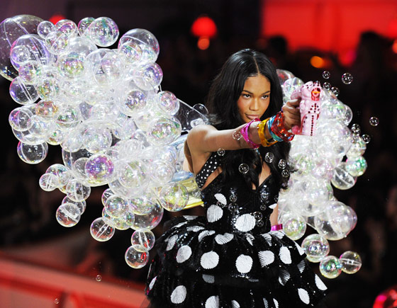 There was a fun moment toward the end of the show when bubbles came spurting out from the sides of the stage, and the girls had to walk through swarms of them without flinching. Chanel not only ROCKED the bubble wings (Gaga shout-out — SAY WHAT) but had a bubble gun of her own to threaten the cameras with.