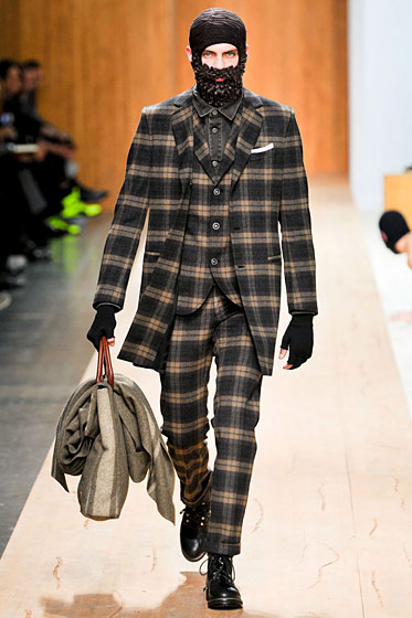 "See more from <a href=http://nymag.com/fashion/fashionshows/2011/fall/main/europe/menrunway/frankiemorello/"">Frankie Morello Fall 2011 Menswear</a>"