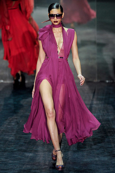 "See the <a href=""http://nymag.com/fashion/fashionshows/2011/fall/main/europe/womenrunway/gucci/"">complete Gucci fall 2011 collection</a>."