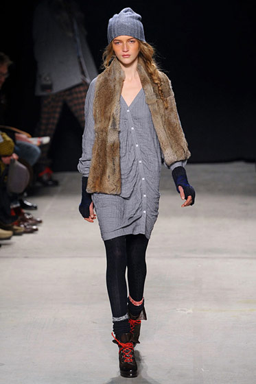 "See the <a href=""http://nymag.com/fashion/fashionshows/2011/fall/main/newyork/womenrunway/bandofoutsiders/"">complete fall 2011 Band of Outsiders collection</a>."