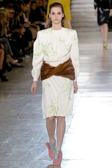 "See the <a href=""http://nymag.com/fashion/fashionshows/2011/fall/main/europe/womenrunway/marni/"">complete fall 2011 Miu Miu collection</a>."