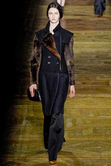 "See the <a href=""http://nymag.com/fashion/fashionshows/2011/fall/main/europe/womenrunway/driesvannoten/"">complete fall 2011 Dries van Noten collection</a>."