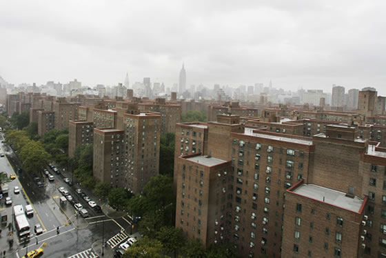 Metlife stuy town deal tripped up by 50 year old fine print for Stuyvesant town new york