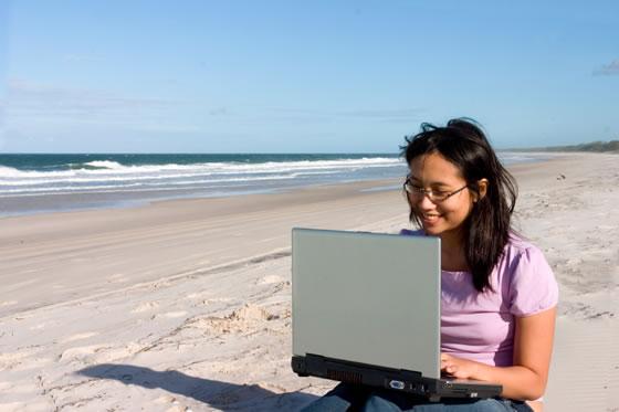 20070103beachcomputer.jpg