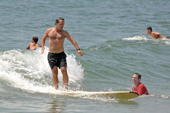20070727surfing.jpg