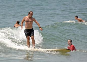 20070727surfing_sm.jpg