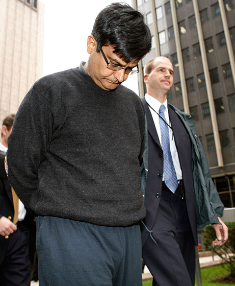 "McKinsey executive <a href=""http://nymag.com/daily/intel/2009/10/alleged_insider_trader_anil_ku.html"">Anil Kumar</a> chose to go with yesterday's gym sweats."